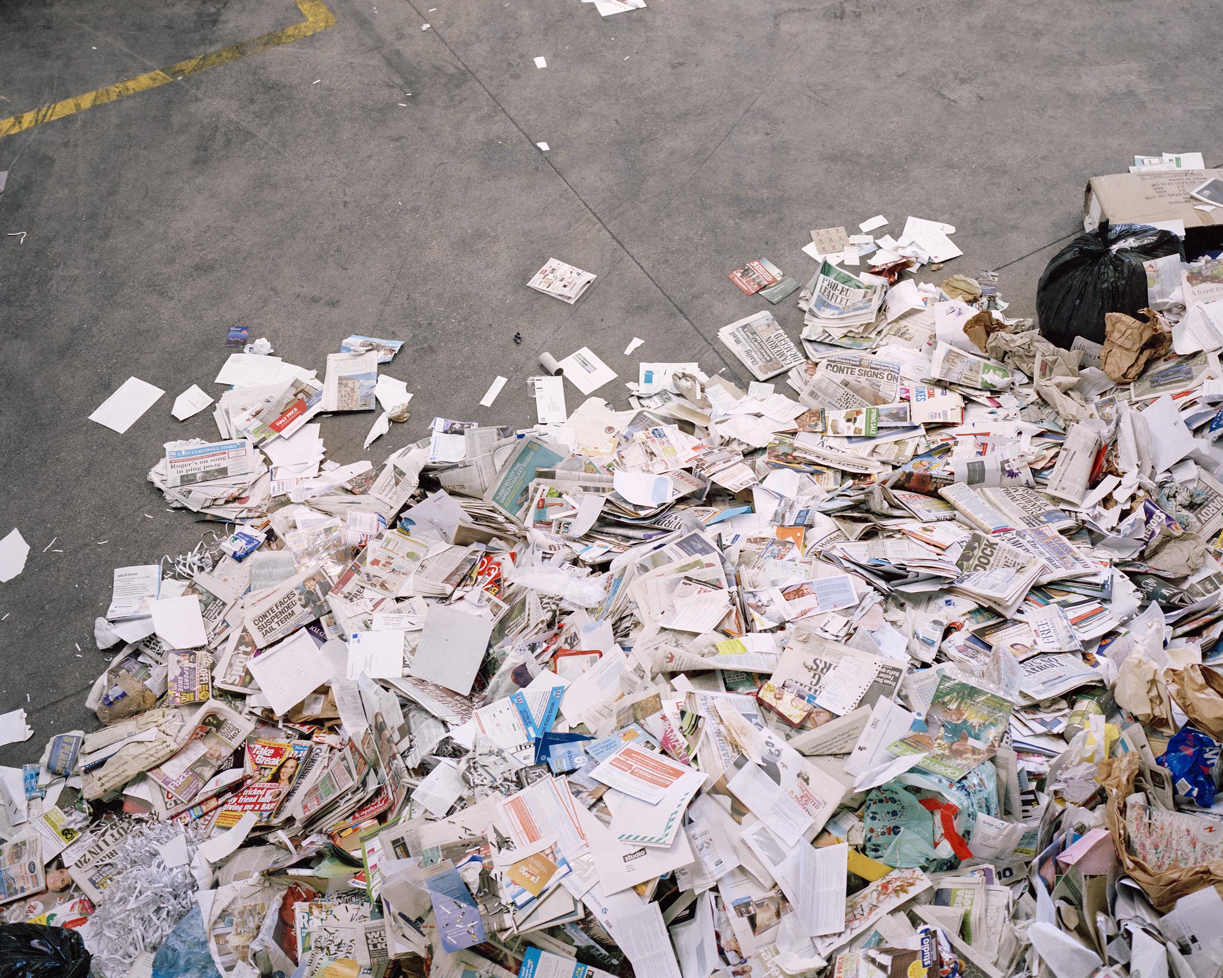 recycleingpaper.jpg