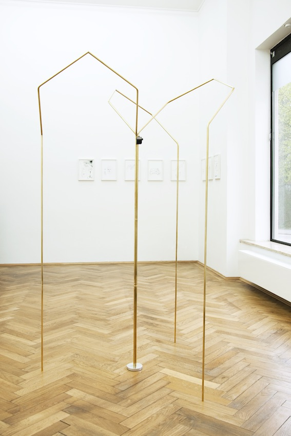 Mirja Reuter, Corridor (displayrules), 2016, brass, aluminum, handheld counter, varnish, acrylic, h = 190, Ø 102 cm