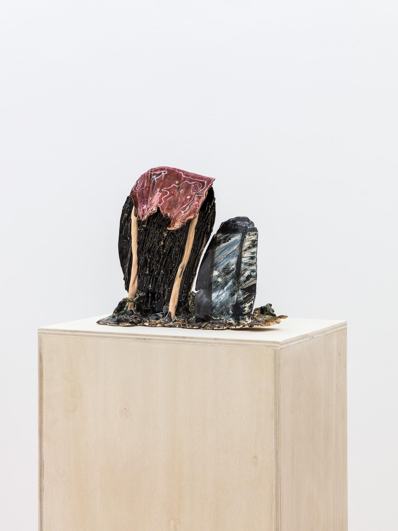Veronika Hilger, untitled, 2017, ceramic, glazed, 22,2 x 27 x 11,7 cm