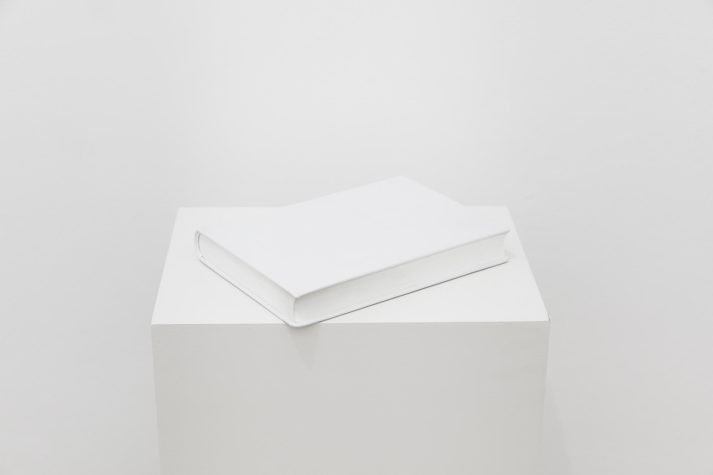 Daniel Gustav Cramer, Earth Impact Database, 2015, Book, 22,5 x 16,5 x 3 cm