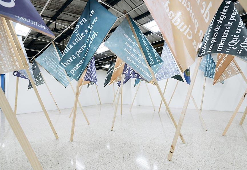 Thomas Geiger, Festival of Minimal Actions, Project in public space, Brussels 2014, Paris 2015 & San José 2018, 30 printed flags + 30 performances, 1 + 1 AP