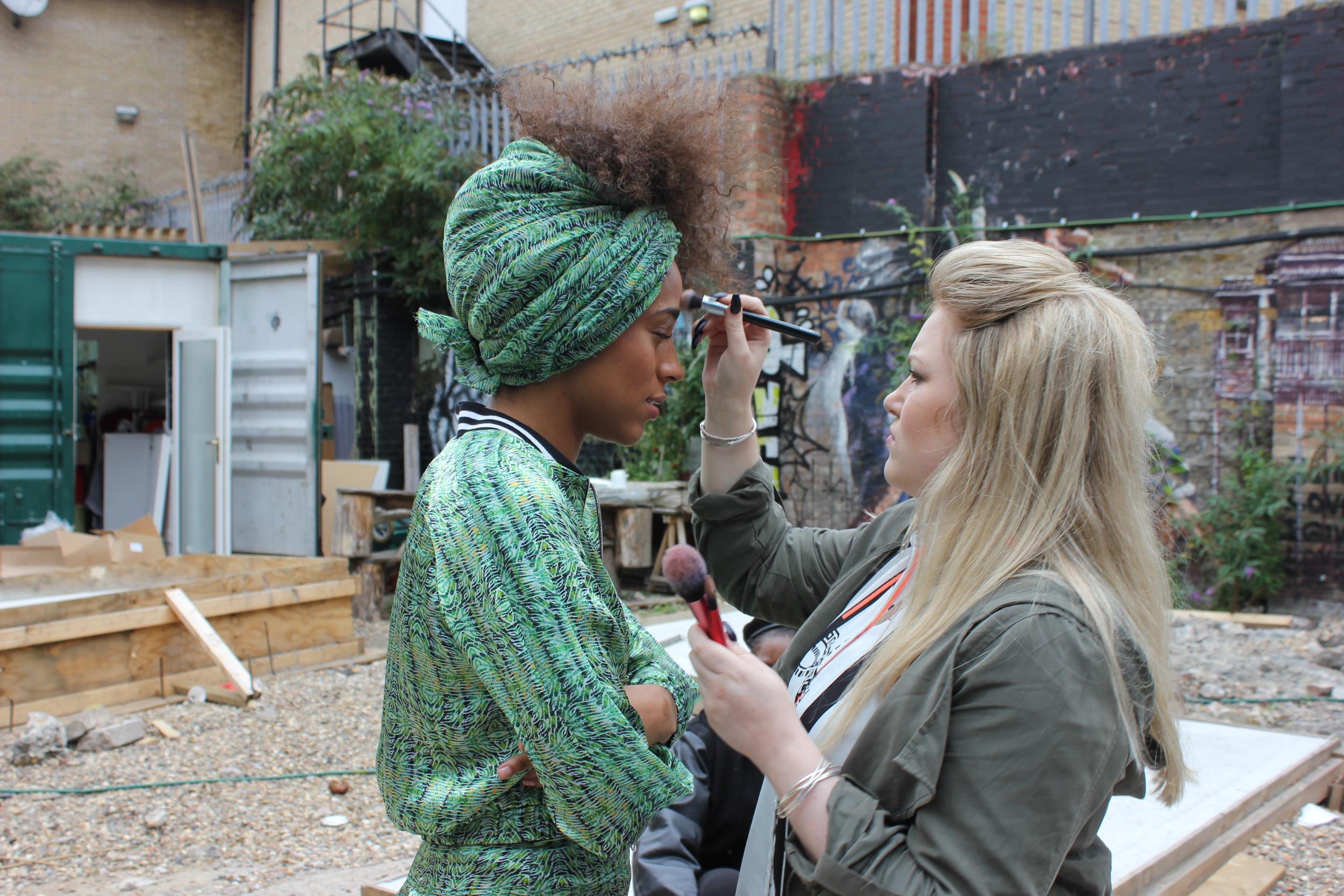 #BTS - Ayisha on set with MUA Chantele Phillips at Yemzi SS16 lookbook shoot in Dalston