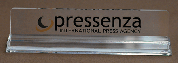 Pressenza-Table-Sign.png