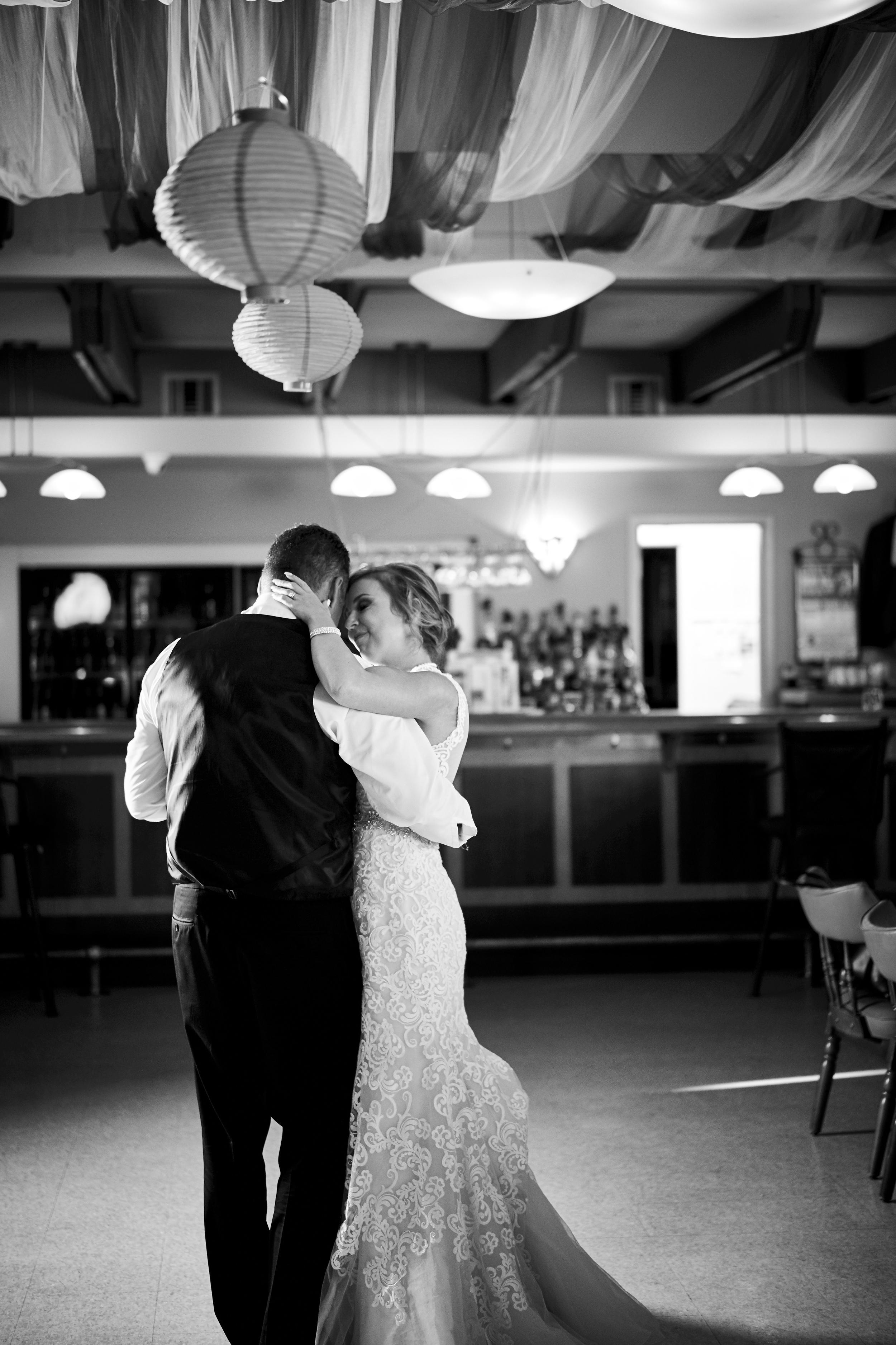Jen & Jamie's Wedding 575.jpg