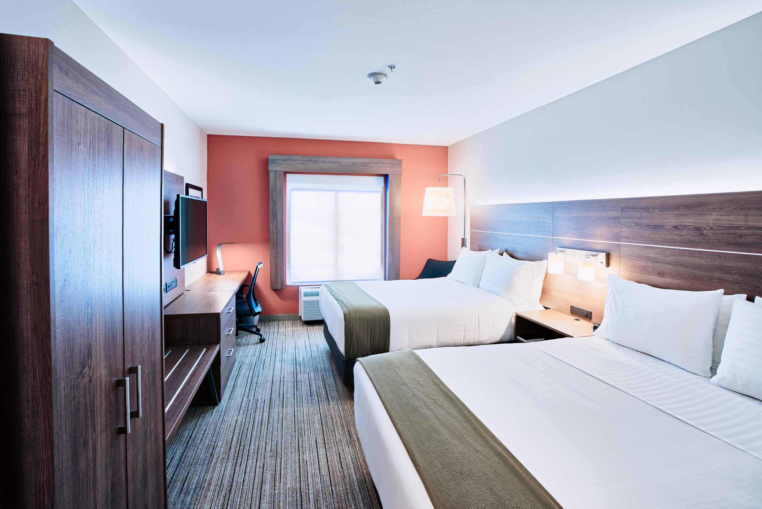 Holiday Inn Express - Room 3 A.jpg