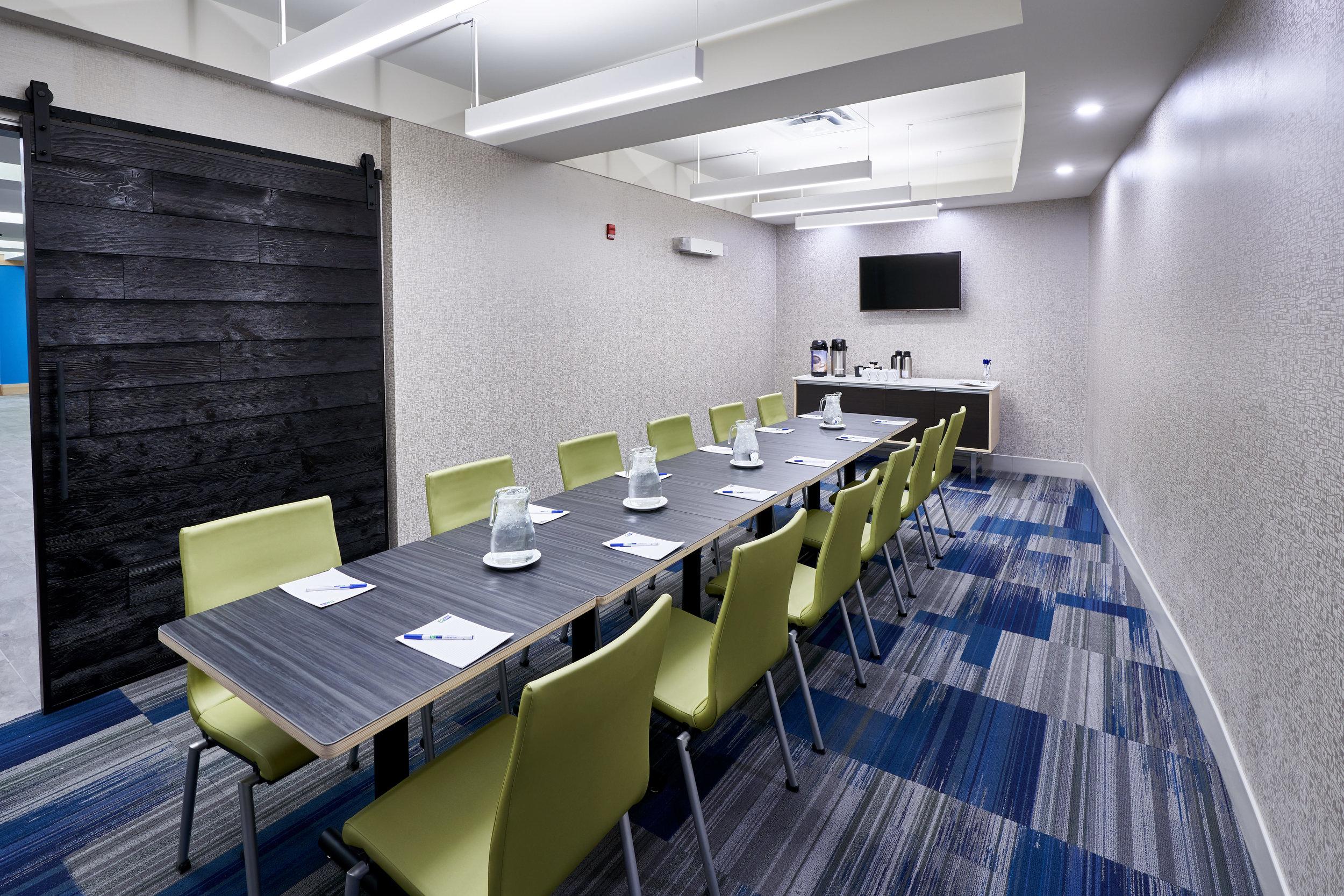 Holiday Inn Express - Meeting Room 2.jpg