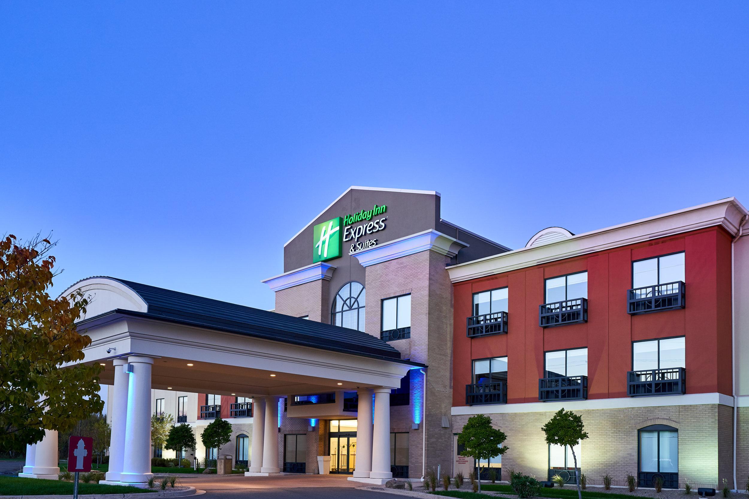 Holiday Inn Express - 040.jpeg