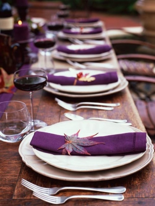 Pre-Poured Red Wine, Wooden Table, Leaf for design (weddingomania.com)