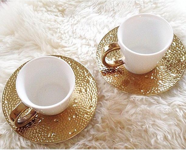 Golden Teacups (  www.casasugar.com)