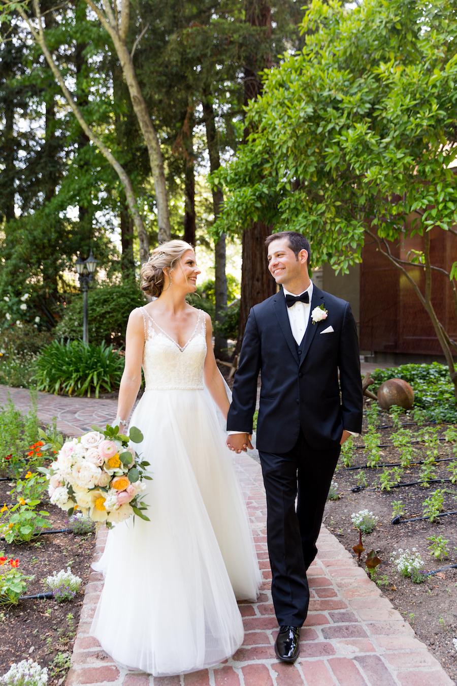 Chic and Organic Outdoor Wedding at Harvest Inn17.jpg