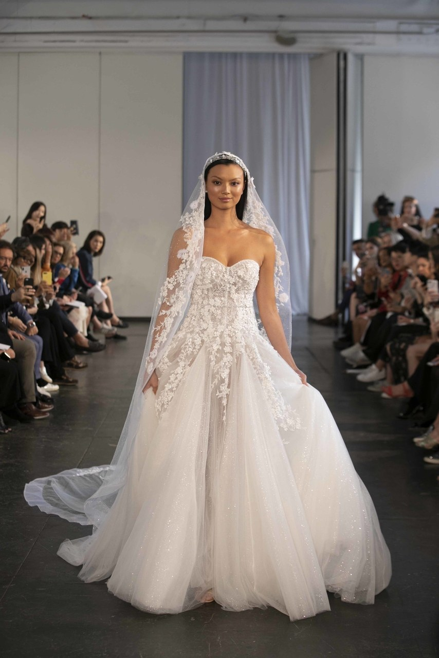 berta-wedding-dresses-fall-2019-022.jpg