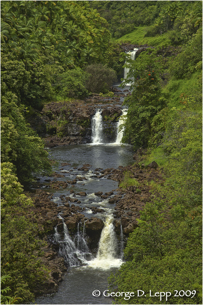 Waterfalls, Big Island, Hawaii.    © George D. Lepp 2009 L-HA-HA-0007