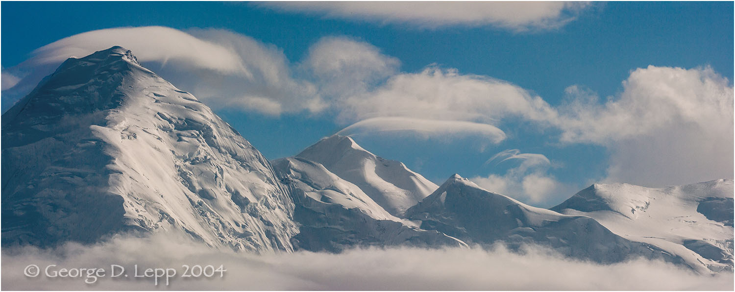 The Alaska Range in Denali NP. © George D. Lepp 2004  L-AK-DE-0026