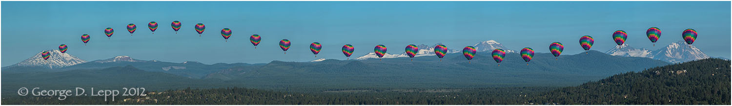 Balloon over Bend, Action Sequence Panorama. © George D. Lepp 2013 LO-CE-BE-0044_E