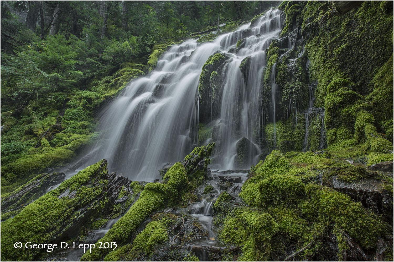Upper Proxy Falls, Cascades, Oregon © George D. Lepp 2013 LO-WF-PR-1001