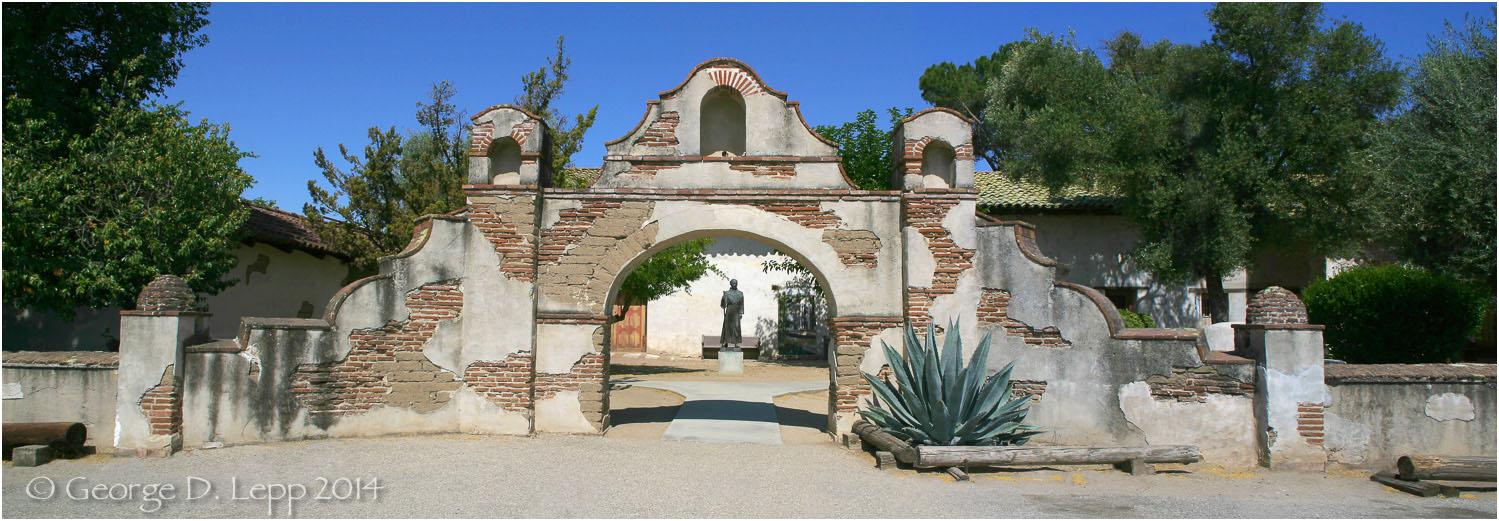 Mission San Miguel Arcangel, CA. © George D. Lepp 2014 LC-CC-CG-0005