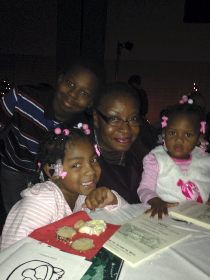 aunt barb and kids.jpg