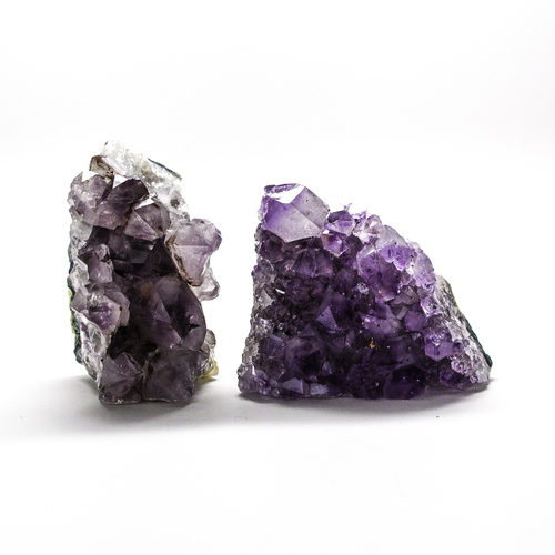 Amethyst  increases spiritual awareness, calms the nervous system, and supports sobriety. Amethyst is a wonderful aid for insomnia.
