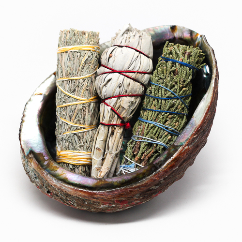 Good Vibrations: herbal smudge trio set to cleanse and purify home/ work environments. Available  HERE