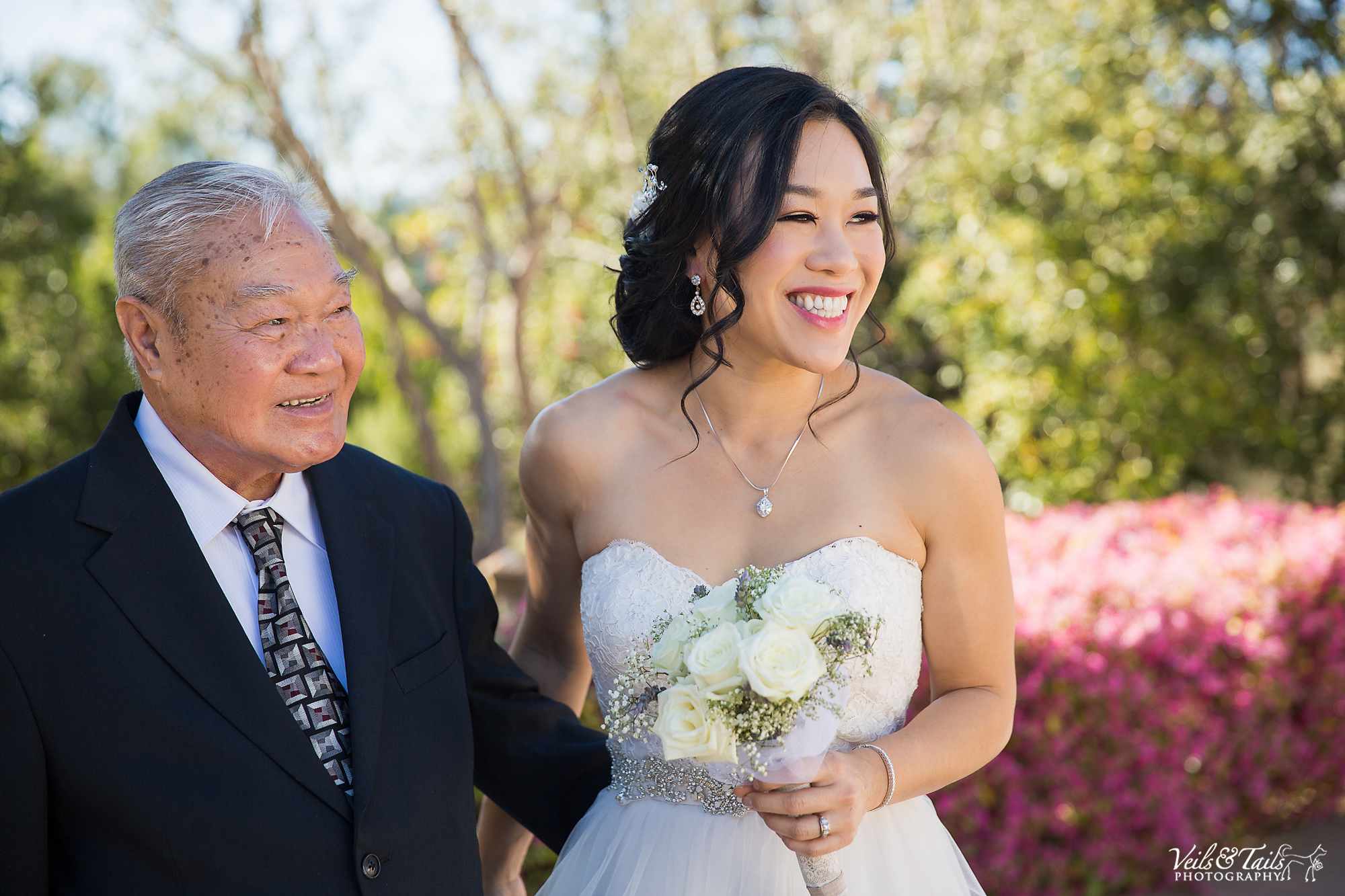 father daughter on wedding day