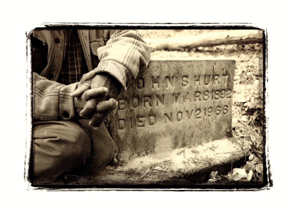 grave hands sharp_lzn - 2008-02-14 at 13-32-56.jpg