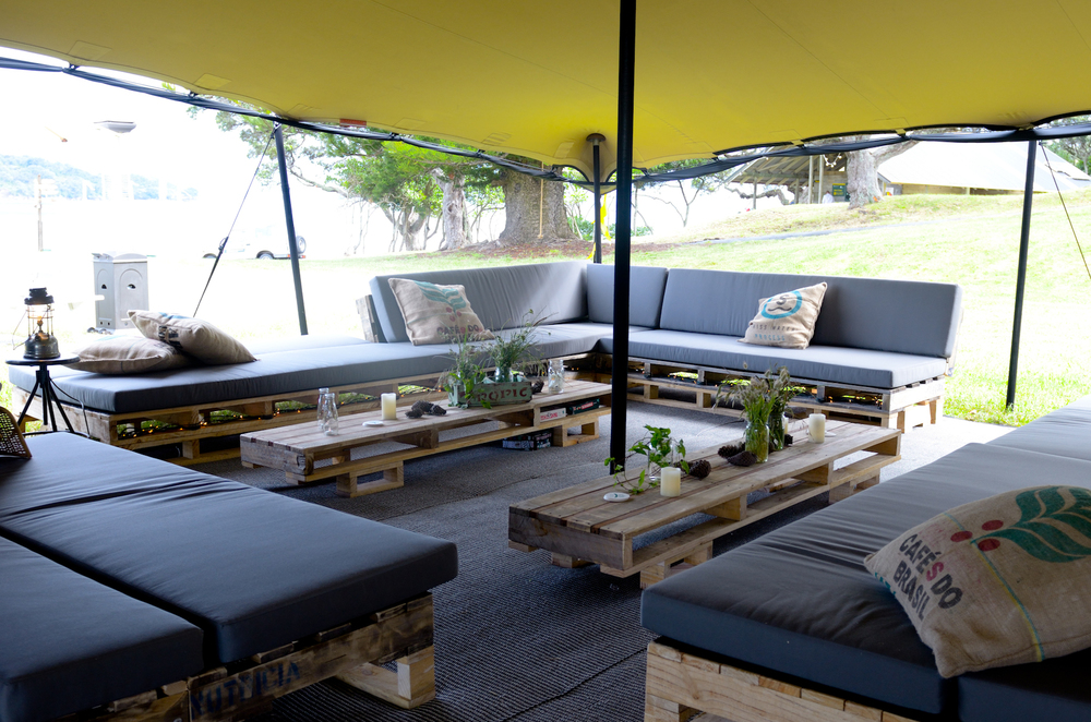 PALLET COUCHES