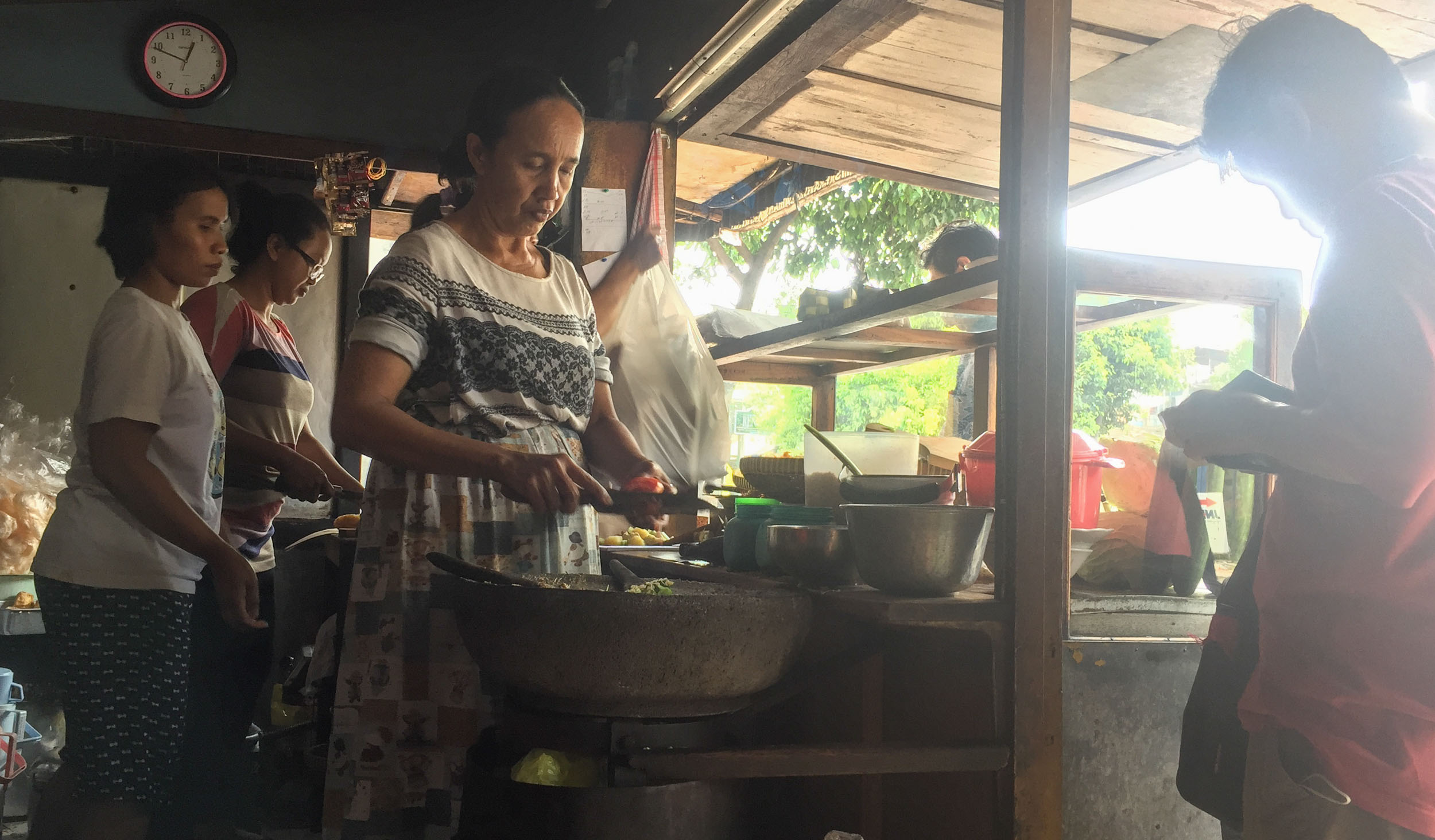 This family, Mother and two daughters have been running this little Lotek Warung for over 20 years in Jogja! And they still make food with passion, love and the freshest of ingredients. Yum!!!