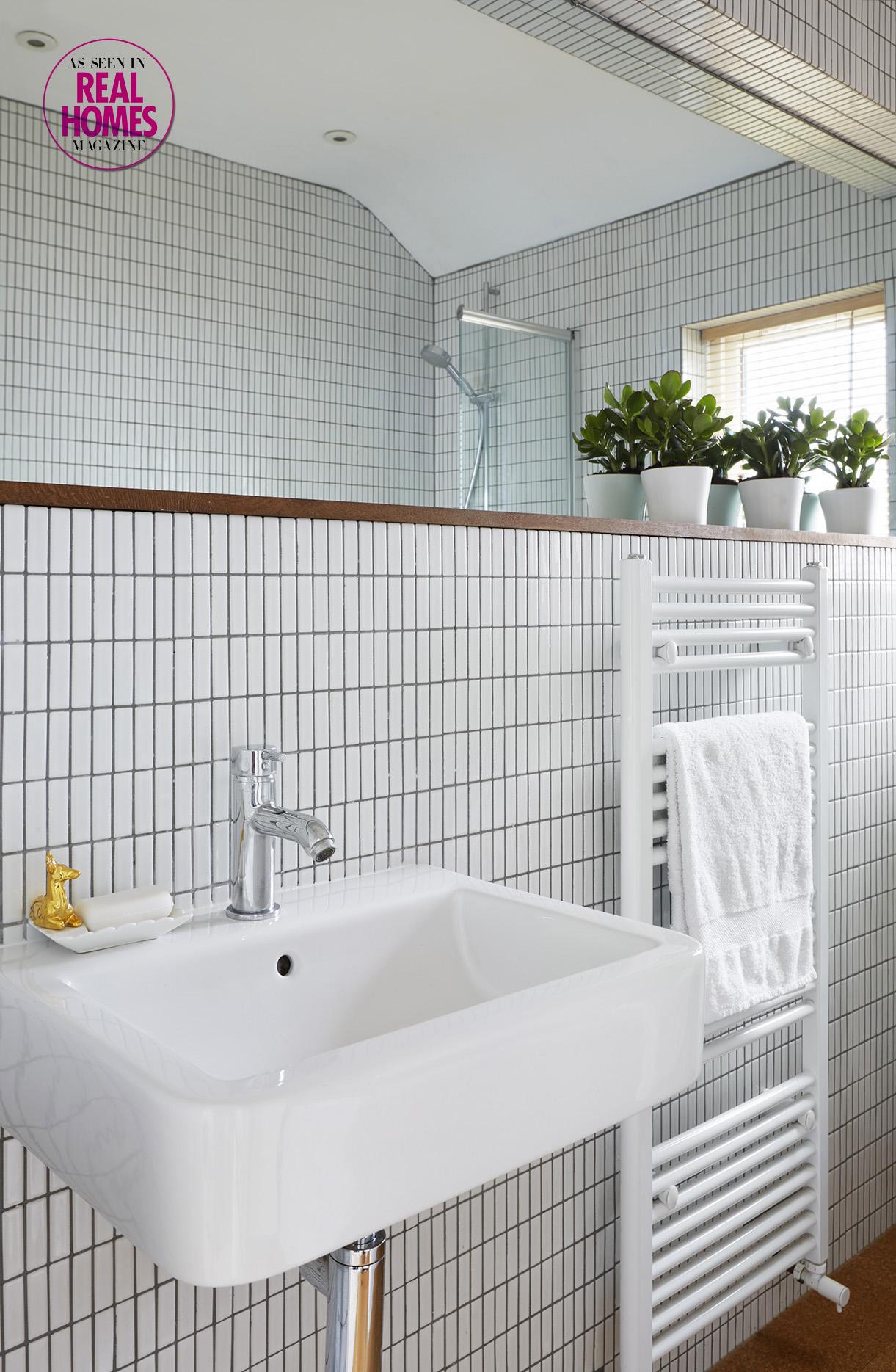 Open plan family bathroom shelf detail.jpg