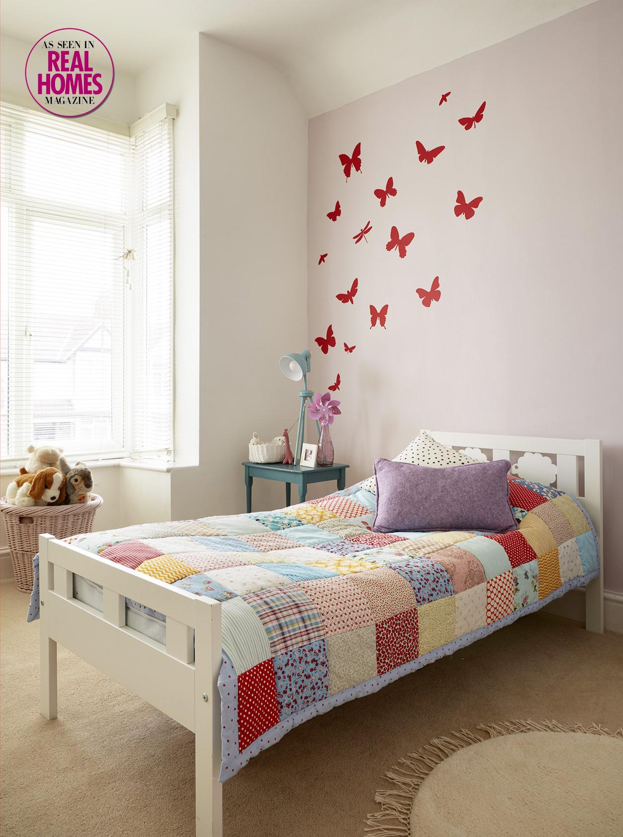 Open plan family living girls bedroom.jpg