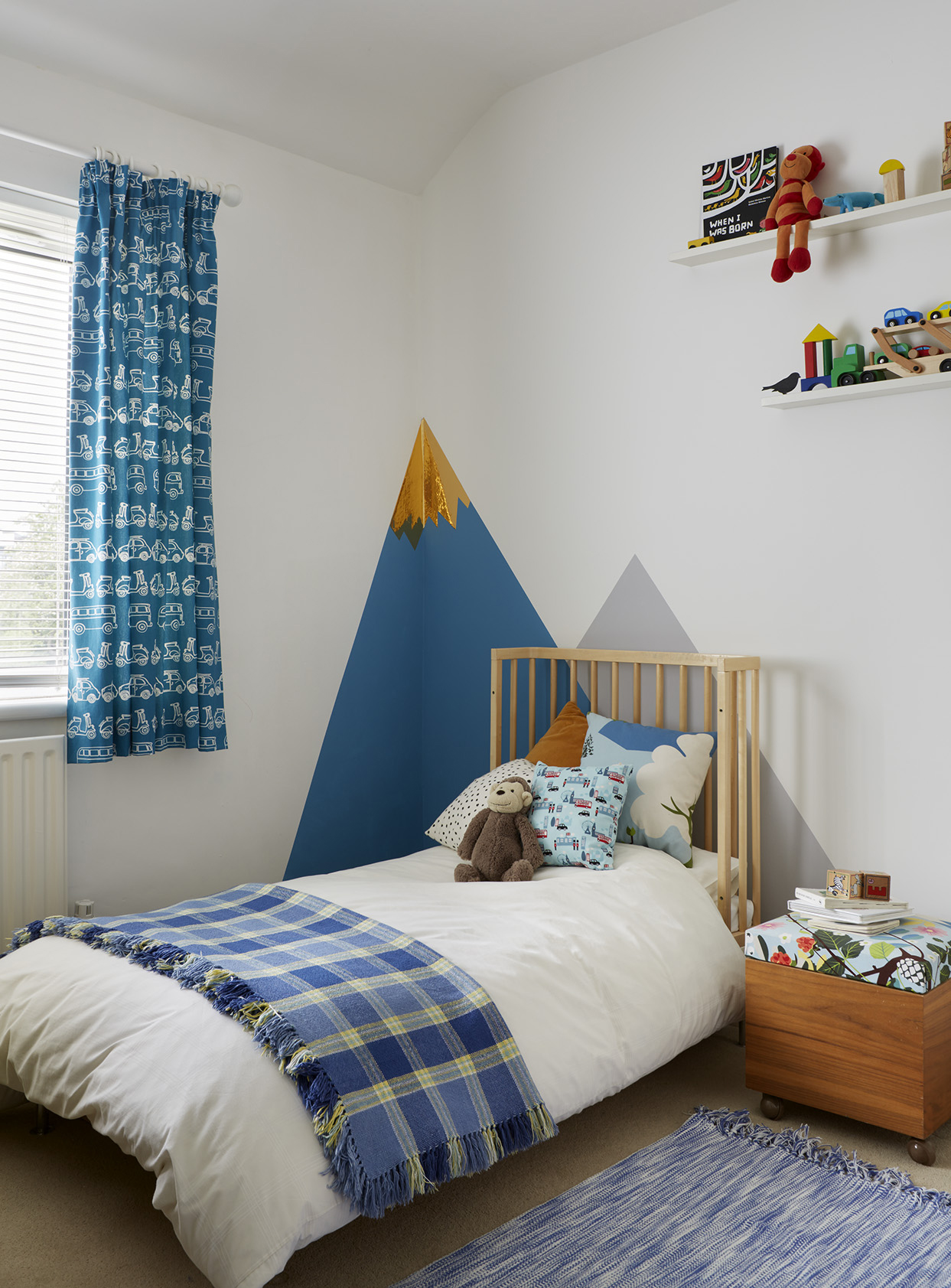 Toddler boys bedroom and mountainscape wall decor.jpg