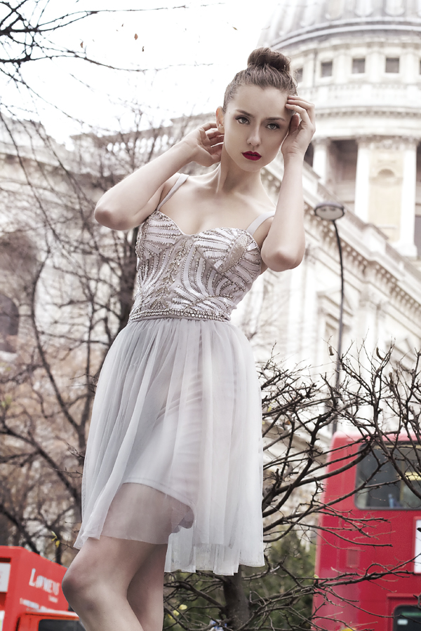 juliet_lui_london_fairytales_buses.jpg