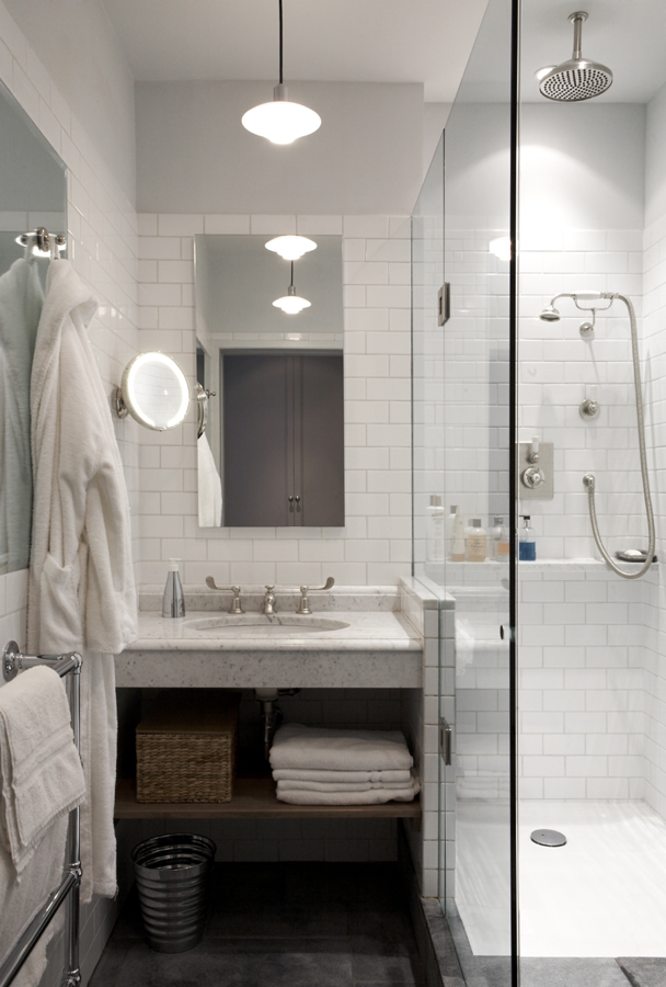 Montagu Mansions Shower Room.jpg