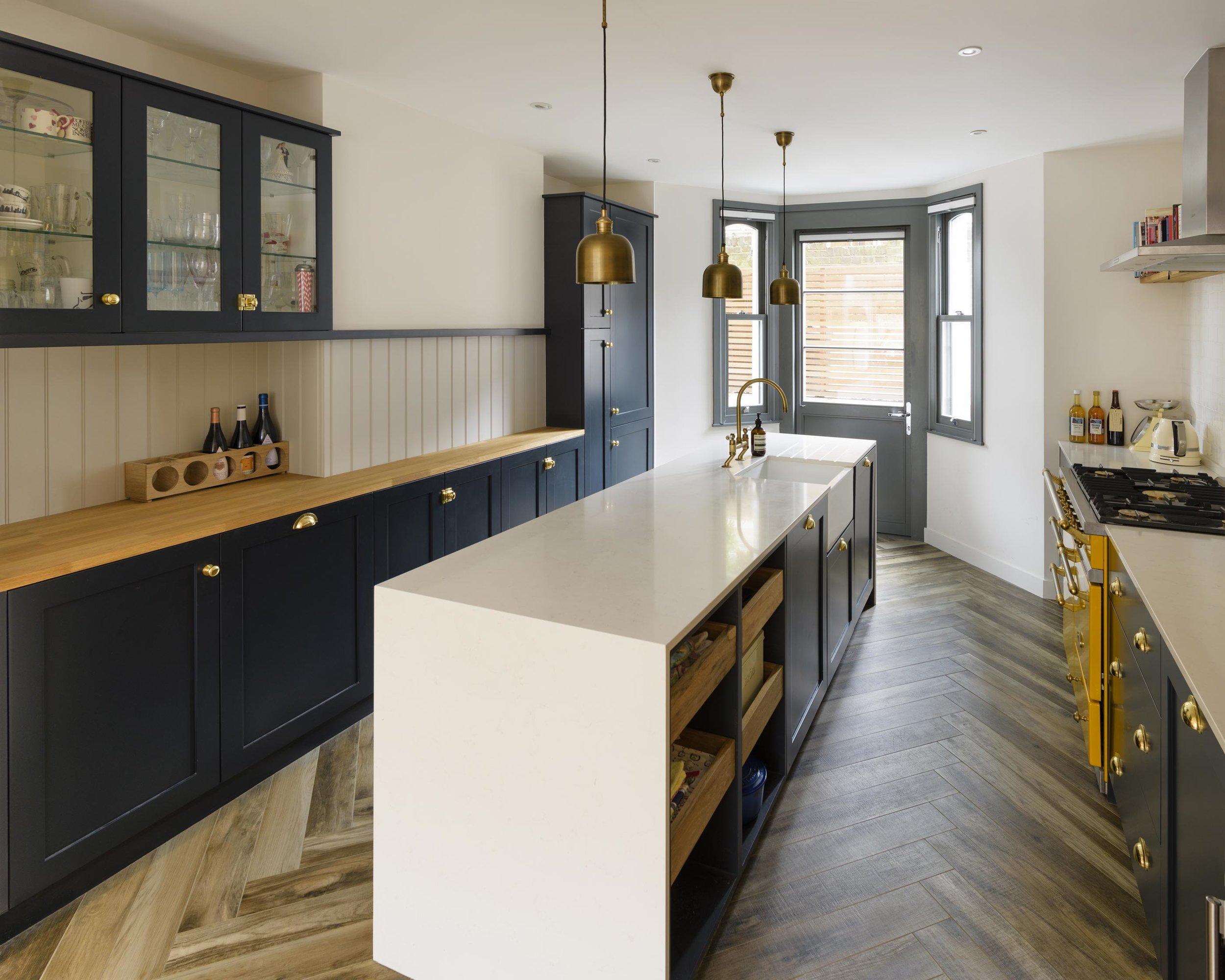 Kitchen-looking-towards-front.jpg