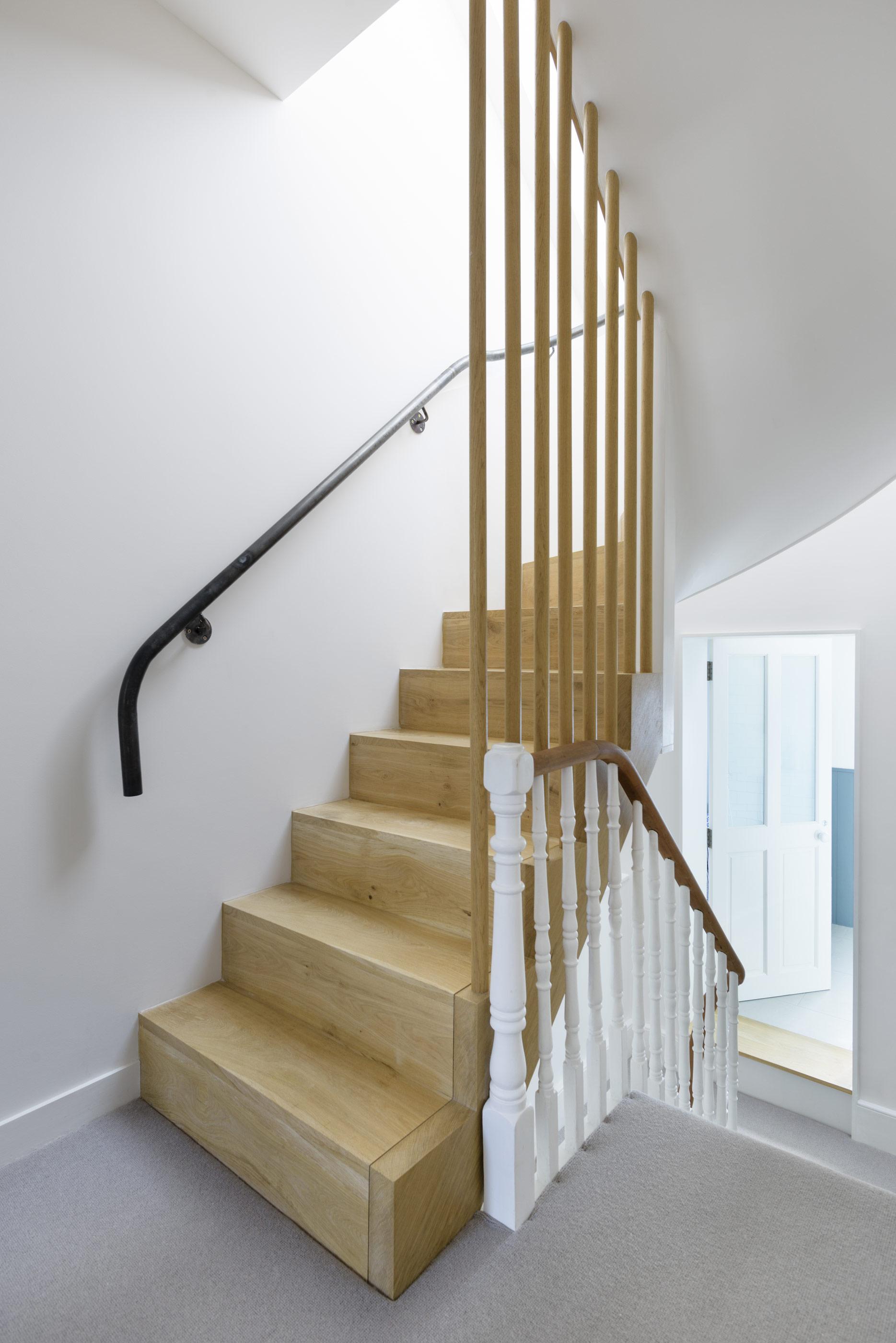 Foot-of-stair.jpg