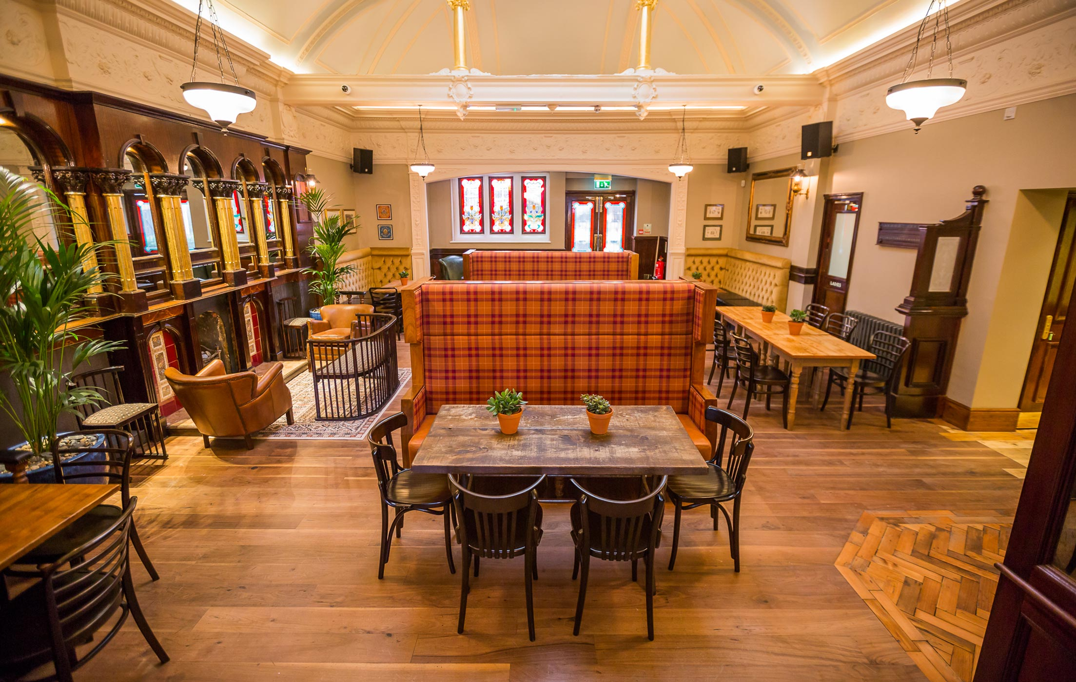 the-great-northern-railway-tavern-60.jpg