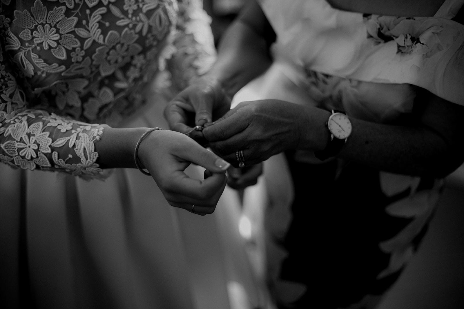 Karis and Oli_Sydney Wedding_Bradleys Head_Holly Medway Photography-66.jpg