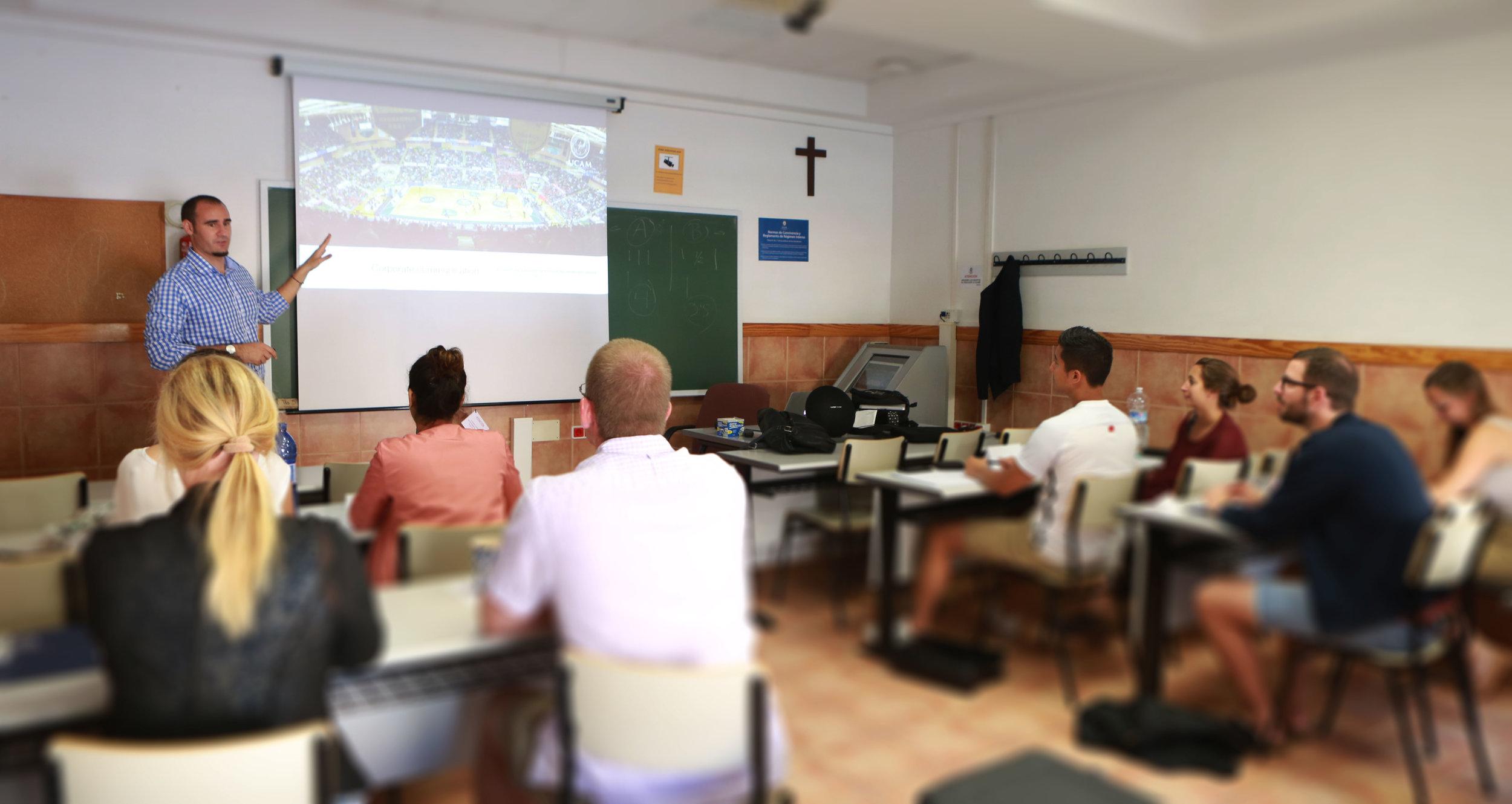 teaching_pau.jpg