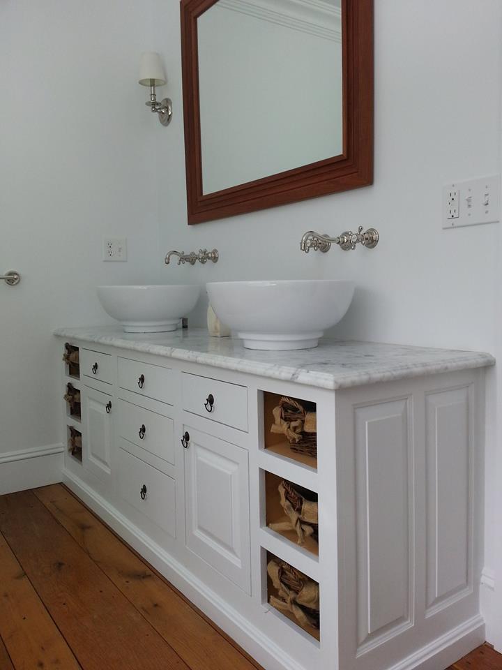 Classic Colonial Homes Interiors Bathroom