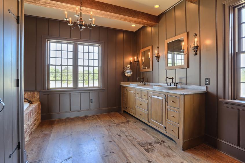 Classic Colonial Homes Bathroom