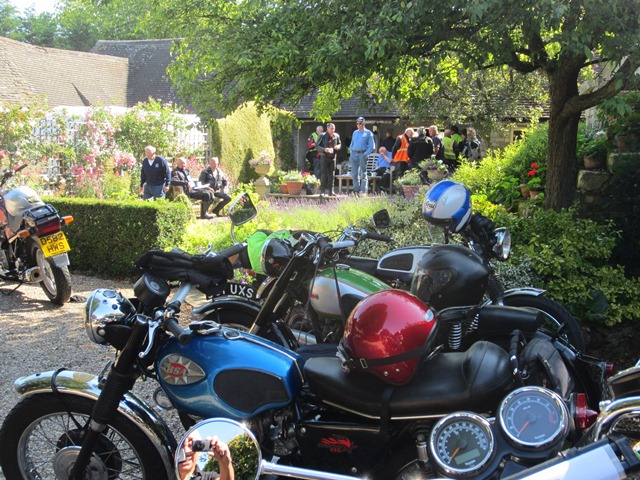 29 Bikes turned out fora sunny Wrinkley Run - July 2015.