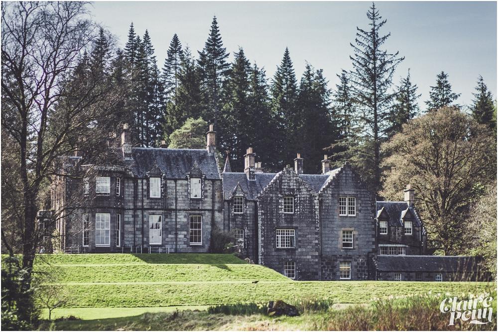 Scottish elopement on Loch Awe Ardanaiseig Hotel_0006.jpg