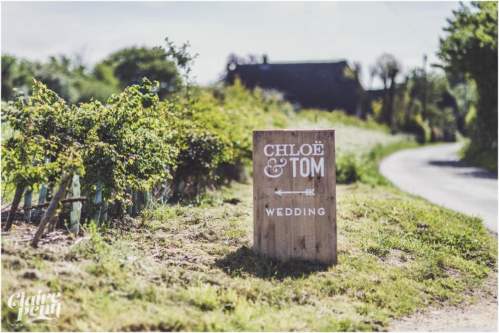 Creative, rustic North Hidden Farm barn wedding in Hungerford Berkshire_0001.jpg