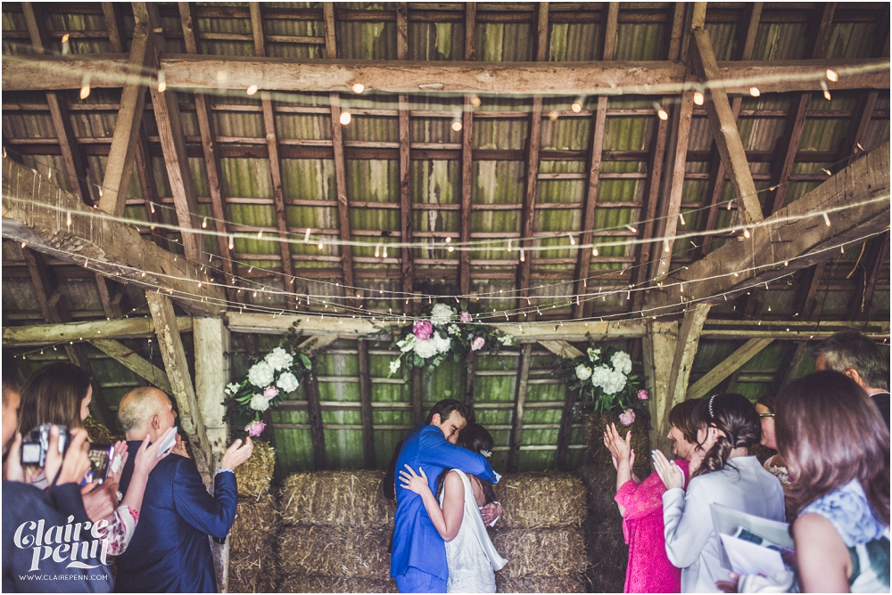 Creative, rustic North Hidden Farm barn wedding in Hungerford Berkshire_0024.jpg