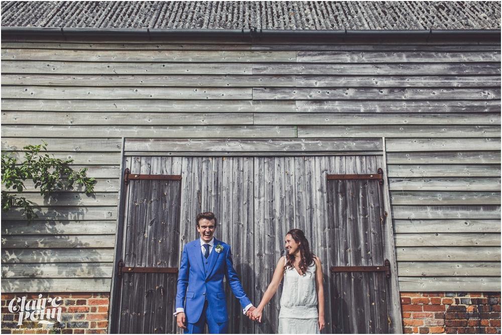 Creative, rustic North Hidden Farm barn wedding in Hungerford Berkshire_0037.jpg