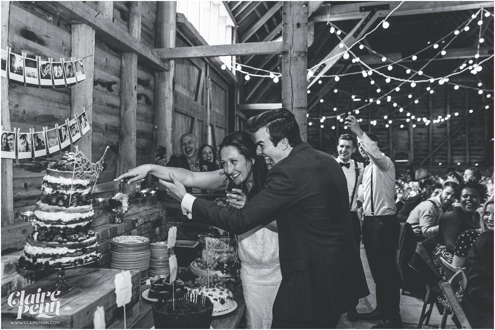 Creative, rustic North Hidden Farm barn wedding in Hungerford Berkshire_0057.jpg