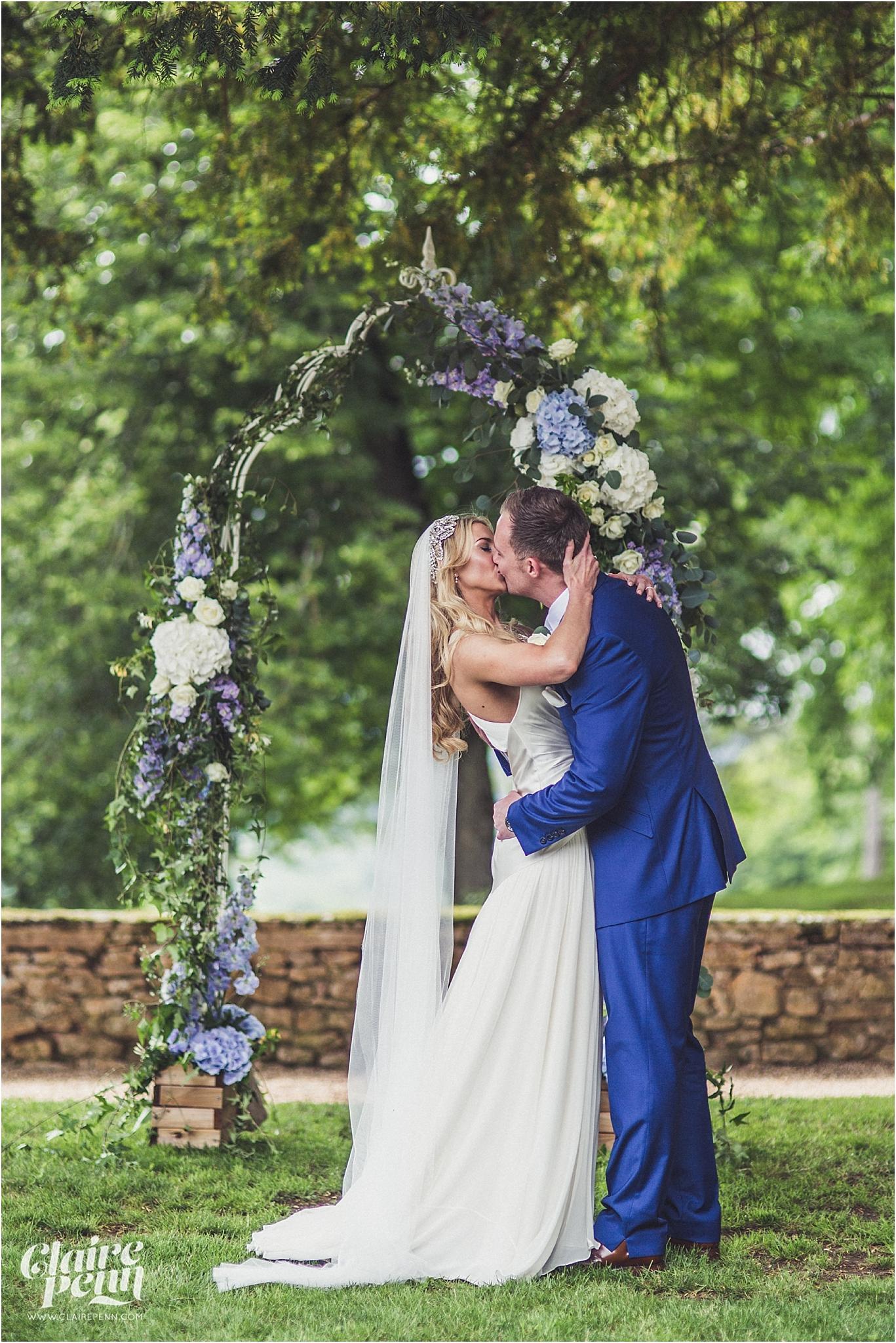 Fairytale Chateau wedding Dordogne 00027.jpg