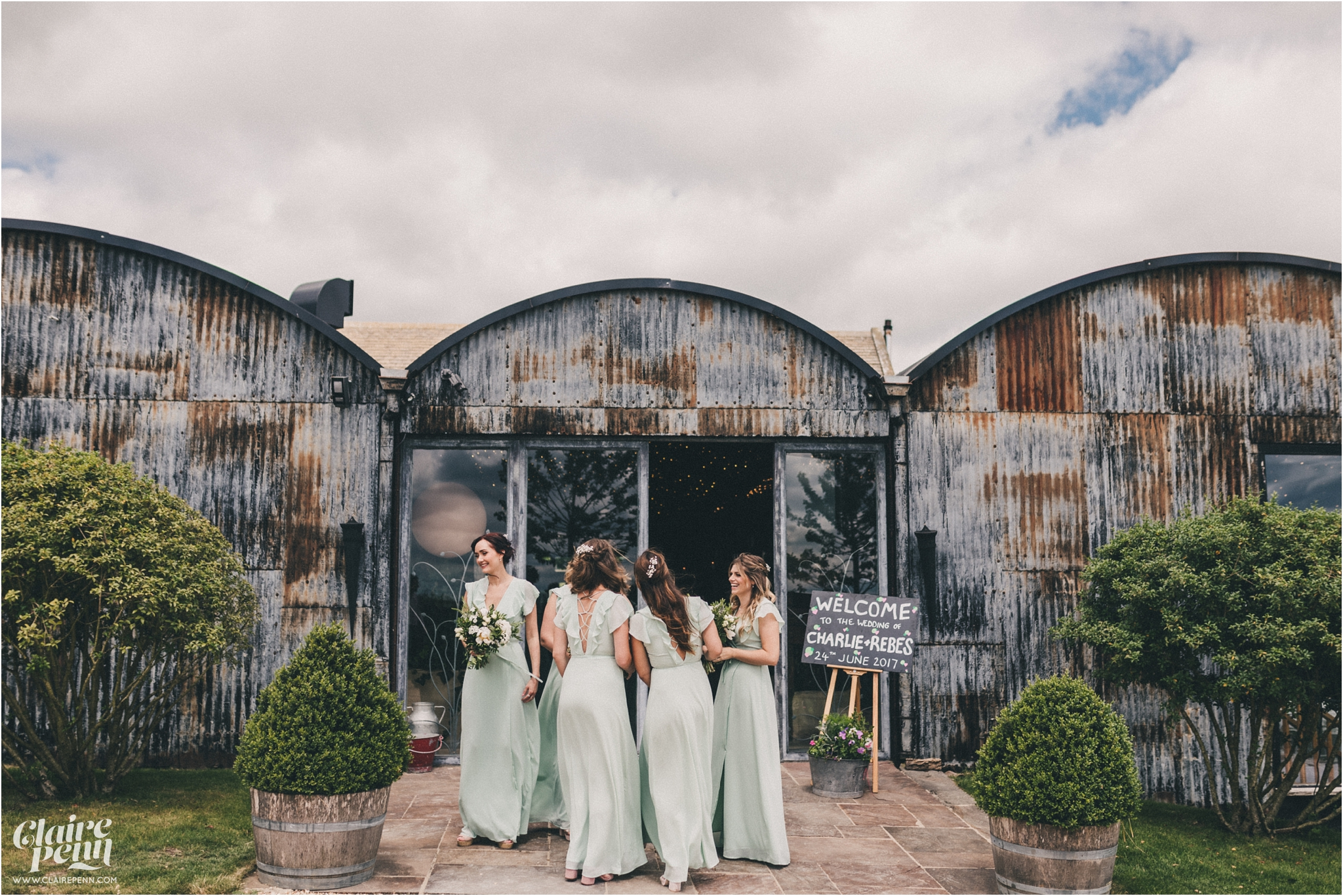 Cripps Stone Barn wedding Cheltenham Cotswolds_0014.jpg