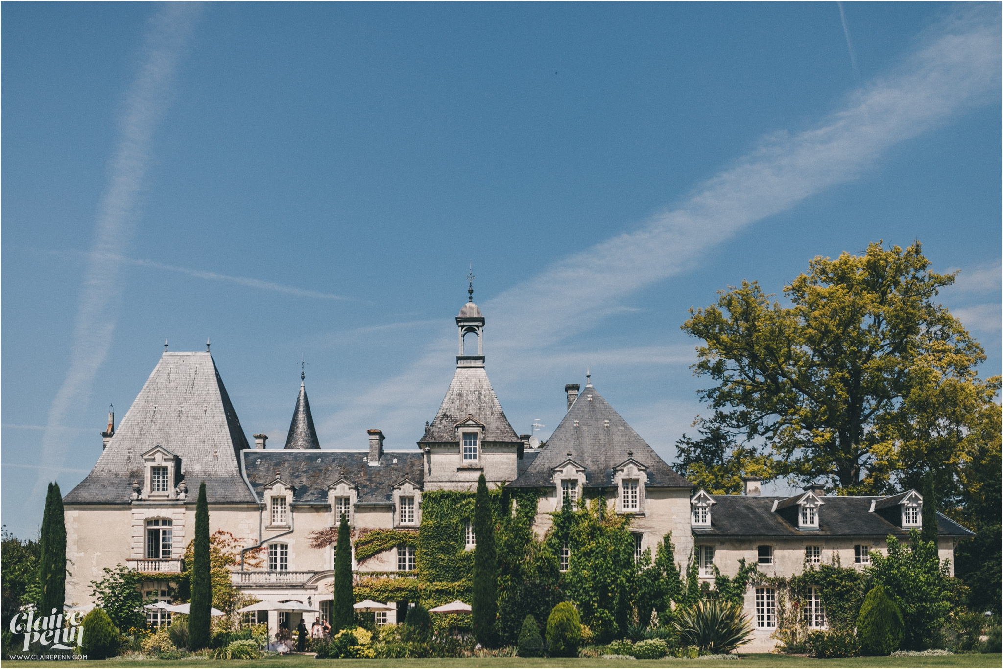 Le Chateau Charmant wedding Dordogne France_0001.jpg