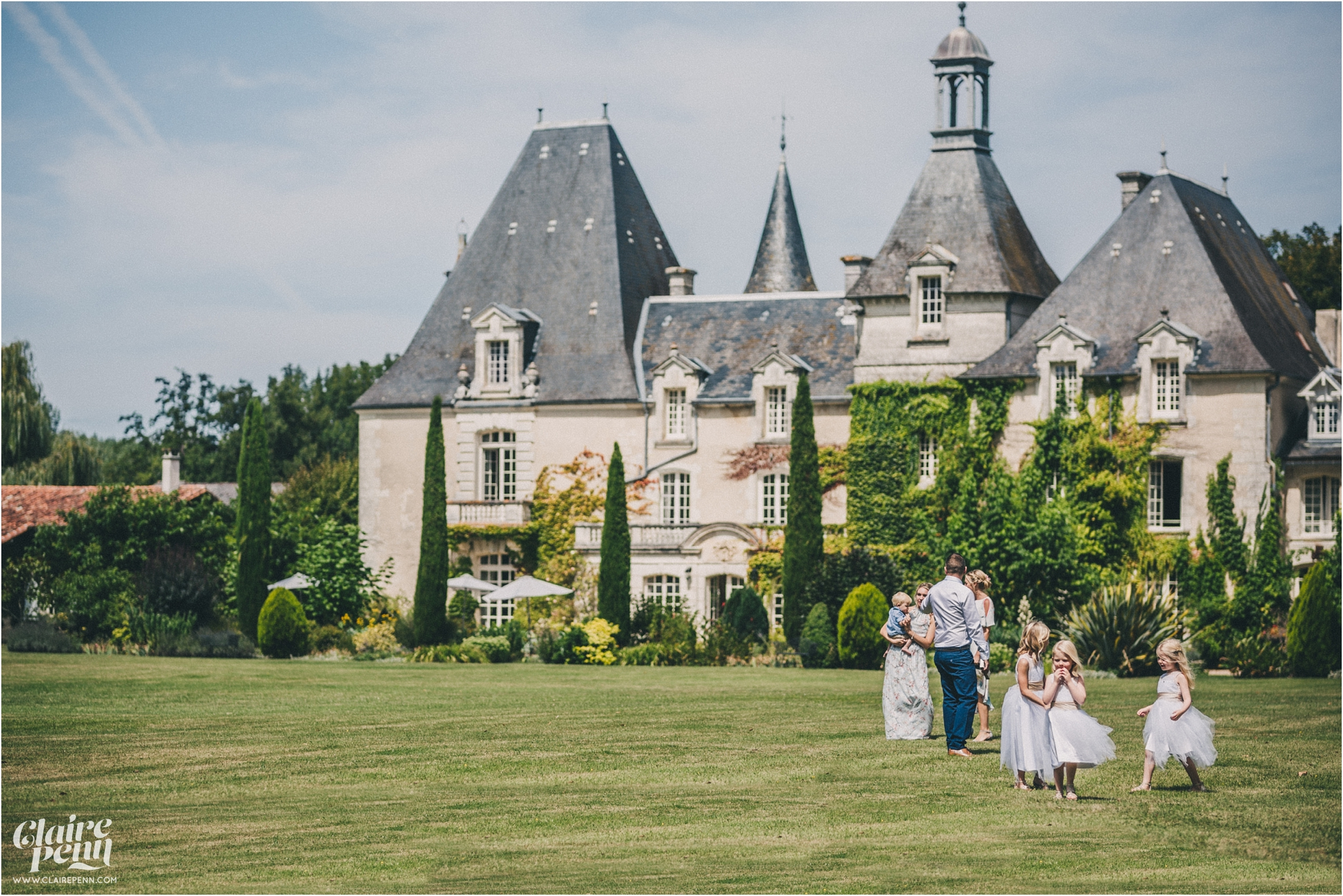 Le Chateau Charmant wedding Dordogne France_0019.jpg