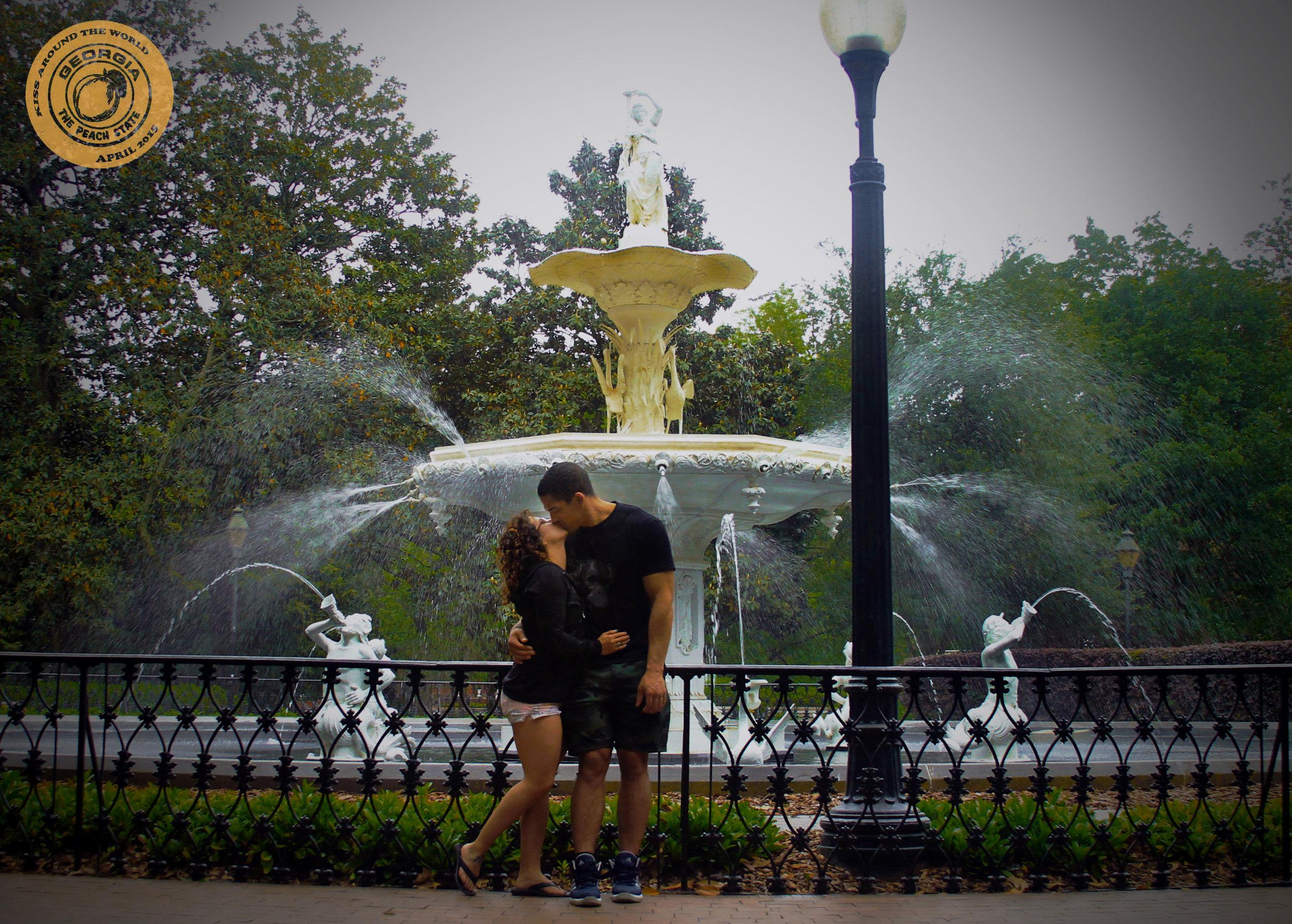 vickygood_photography_GA_travel_kiss.JPG